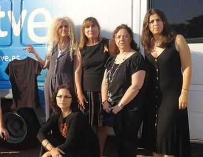 Los trabajadores de RTVE viven su último 'Viernes Negro' tras el consenso para renovarla
