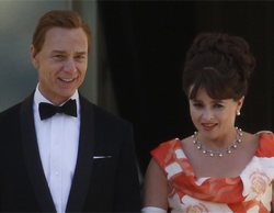 'The Crown': Primer vistazo a Helena Bonham Carter y Ben Daniels en el set de rodaje de la tercera temporada