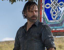 'The Walking Dead': El emotivo abrazo de Andrew Lincoln en sus últimos días de rodaje