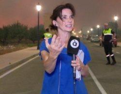 Una reportera de À Punt protagoniza un peligroso momento al hacer caso omiso a los agentes en un incendio