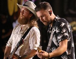 El festival del Country Music Association arranca discreto pero mejora conforme pasa la noche hasta liderar