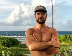 Alfonso Bassave ('Estoy Vivo') publica un desnudo integral en una paradisíaca cala de Menorca