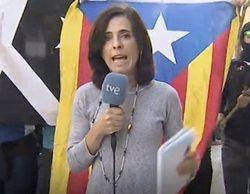 Un grupo de independentistas boicotean en Girona a Judith Huerta, reportera de TVE, durante una conexión