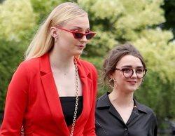 Sophie Turner confiesa que, tras los rodajes de 'Juego de Tronos', fumaba marihuana con Maisie Williams
