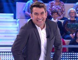'¡Ahora Caigo!': Una señora del público se queda dormida y Arturo Valls intenta gastarle una broma sin éxito