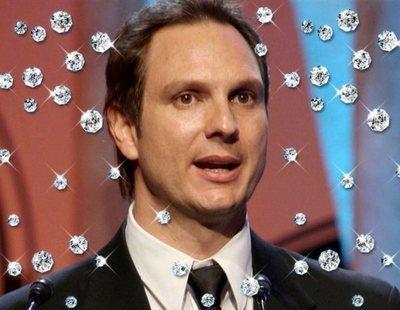 Así es el cuadro con la cara de Javier Cárdenas hecho con 35.000 diamantes de Swarovski