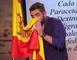 Clínica Baviera rompe su contrato con Dani Mateo tras sonarse los mocos con la bandera de España