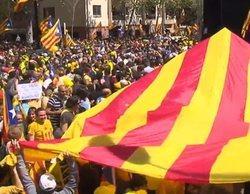 'Informativos Telecinco' enciende las redes al equiparar el nacionalismo catalán con el nazismo