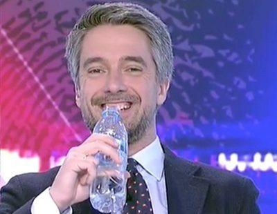 La divertida pillada a Carlos Franganillo durante una conexión en directo en TVE