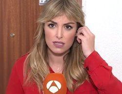 Una reportera de 'Antena 3 noticias' se bloquea en pleno directo al recibir instrucciones por el pinganillo