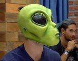 """Un marciano protagoniza el encuentro más surrealista de 'First dates' y su cita alucina: """"Estás chalado"""""""