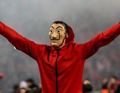 'La Casa de Papel' se cuela en un partido de Europa League con este espectacular tifo