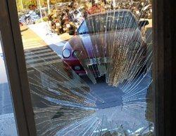 Detenido un hombre por estrellar su coche contra la puerta principal del edificio de TV3