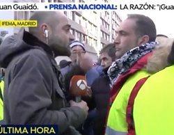 Agreden a empujones y con un huevazo a un reportero de 'Espejo Público' mientras cubría la huelga de taxis