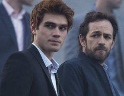 """'Riverdale' aplaza su producción en señal de duelo por la muerte de Luke Perry: """"Te echaremos de menos"""""""