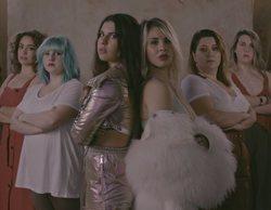 """El reivindicativo videoclip de """"Lo que es nuestro"""", con Lucía y Natalia Gil rodeadas de estrellas televisivas"""