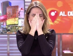 """El surrealista ataque de risa de Carme Chaparro en 'Cuatro al día': """"Voy a salir en todos los zappings"""""""