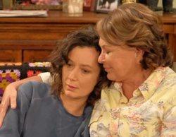 """Roseanne Barr culpa a Sara Gilbert de la cancelación de 'Roseanne': """"Destruyó la serie y mi vida"""""""