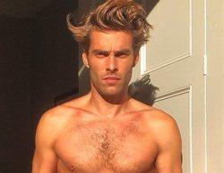 Jon Kortajarena impacta con un provocador desnudo de cintura para abajo