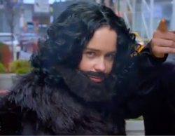 """Emilia Clarke ('Juego de Tronos') se pasea por NY disfrazada de Jon Snow: """"Soy Kit Harington sin abdominales"""""""