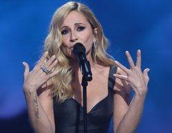 Marta Sánchez se ve obligada a abandonar un concierto en Badalona por el lanzamiento de huevos al escenario