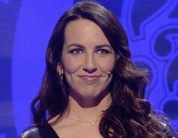 Irene Junquera desvela su talento musical y emociona al público de 'Adivina qué hago esta noche'