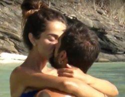 """Violeta y Fabio protagonizan un tórrido baño en 'Supervivientes': """"Me vas a pinchar como a los peces"""""""