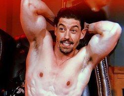 Adrián Lastra inaugura el verano con un desnudo integral