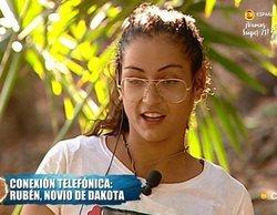 'Supervivientes 2019': Dakota recibe la llamada de su novio Rubén, ajena a los rumores de infidelidad