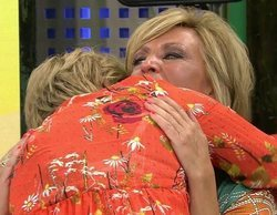 Mila Ximénez y Lydia Lozano firman la paz con un bonito abrazo después de una gran discusión