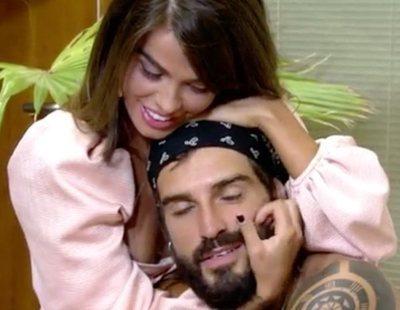 El apasionado reencuentro entre Fabio y Violeta en la final de 'Supervivientes'
