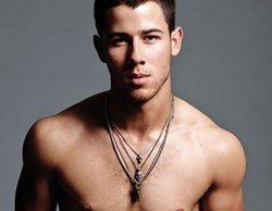 Nick Jonas repite la historia de Jason Momoa y recibe todo tipo de críticas por unas fotos sin camiseta