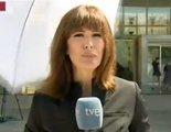 Lara Siscar, a punto de ser golpeada por una sombrilla durante una conexión para Canal 24 Horas