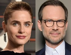 Amanda Peet y Christian Slater protagonizarán la segunda temporada de 'Dirty John'