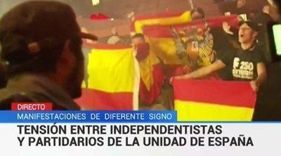 """Críticas a TVE por llamar """"partidarios de la unidad de España"""" a fascistas con banderas franquistas"""
