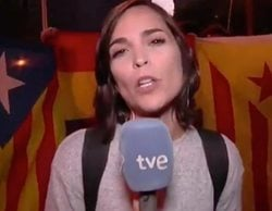 Agreden a dos equipos de TVE en Barcelona con lanzamiento de huevos y el palo de una bandera