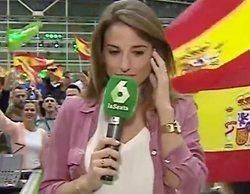 """Abucheos y gritos de """"fuera, fuera"""" a una reportera de laSexta en un mitin de VOX"""