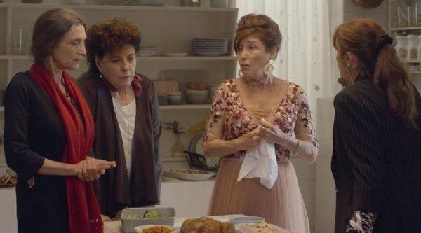 Crítica de 'Días de Navidad', el desastre de las reuniones familiares con un reparto de festín