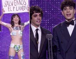 Los Javis, protagonistas de un surrealista momento en los Premios Goya 2020 con una falsa espontánea