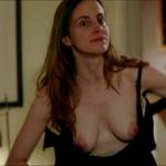 Maria Dizzia, desnuda, enseña las tetas en 'Orange is the New Black'