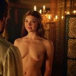 Natalie Dormer, desnuda, enseña las tetas en 'Juego de Tronos'