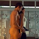 Dylan Bruce desnudo muestra su culo junto a Tatiana Maslany en 'Orphan Black'