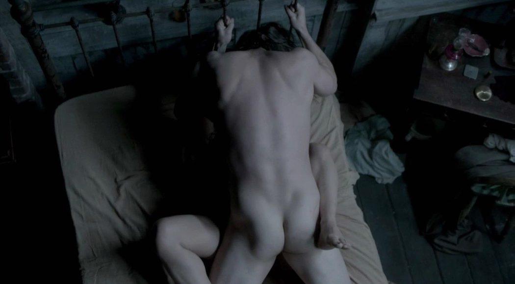 Josh Hartnett, desnudo, enseña el culo en 'Penny Dreadful'