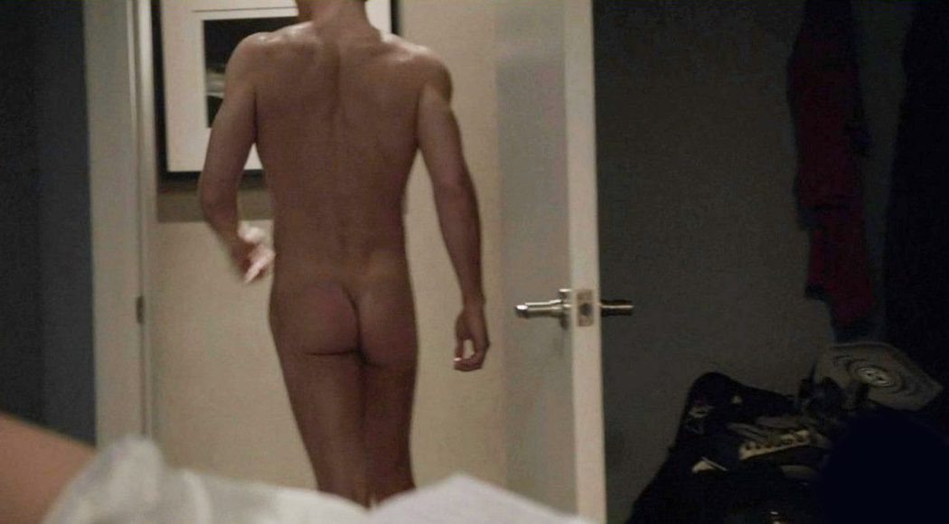 Jake McDorman, desnudo, enseña el culo en 'Shameless'