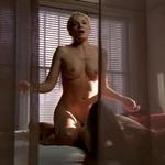 Kim Cattrall, completamente desnuda, enseña las tetas en 'Sexo en Nueva York'