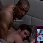 Bernard Curry y Cleo Anthony, desnudos, practicando sexo gay en 'Hit the Floor'