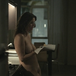 Amy Landecker, desnuda integral, en la serie 'Transparent'