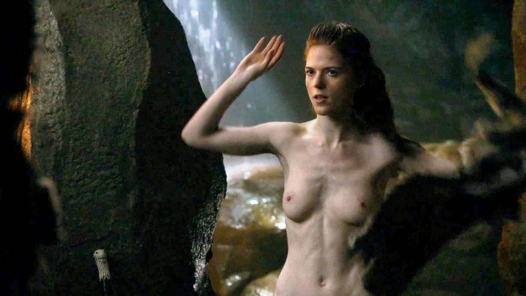 Rose Leslie, desnuda, enseña las tetas a Kit Harington en 'Juego de Tronos'