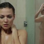 Elisa Mouliaá, completamente desnuda, enseña las tetas en 'Rabia'