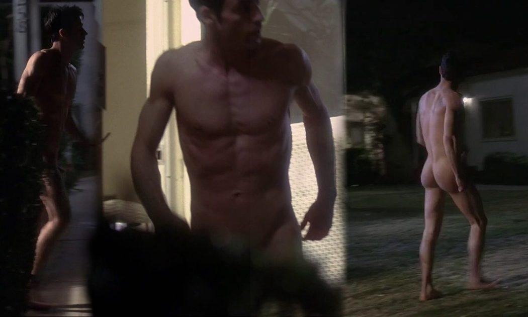 Justin Theroux, desnudo integral, enseña el pene en 'A dos metros bajo tierra'